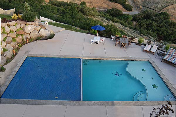 The Pros and Cons of Various Safety Pool Covers