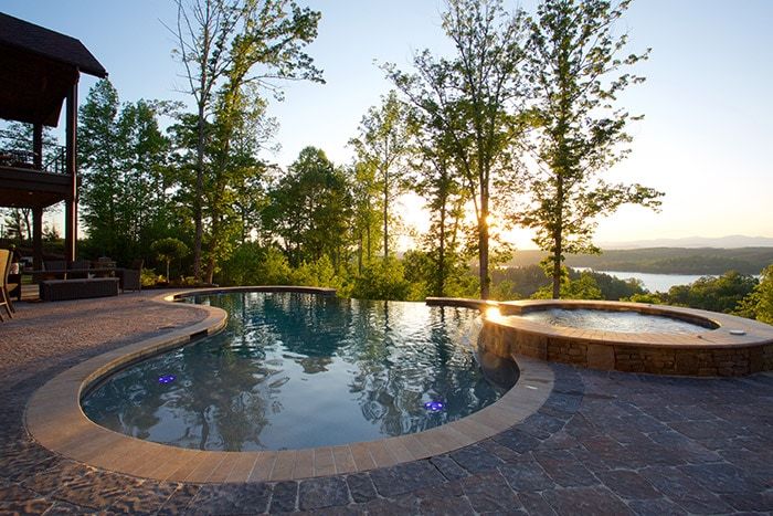 What S The Difference Between Vinyl Pools And Gunite Pools