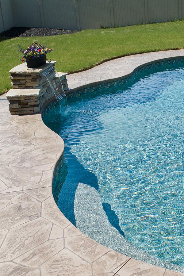 vinyl pool with sheer descent
