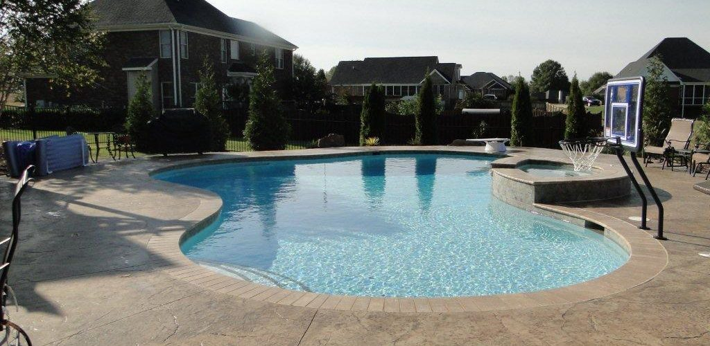 Gunite Pool w/ Basketball Goal