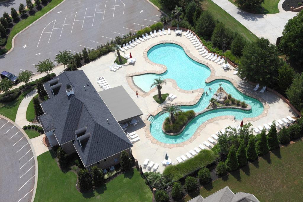 Community Pool w/ Lazy River