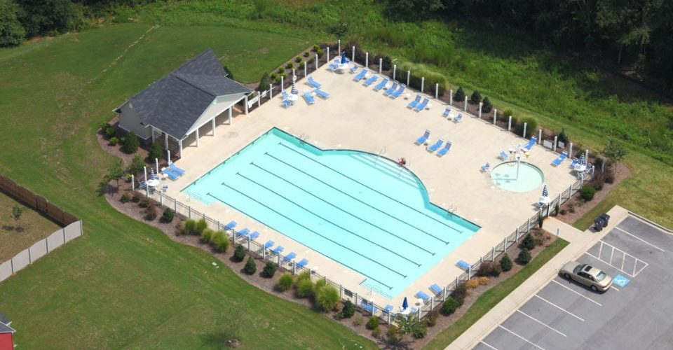 Community Pool w/ Kid Splash Zone