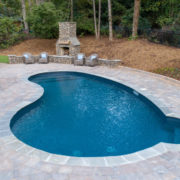 Kidney Vinyl Pool w/ Swim Out