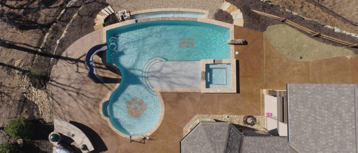 Custom Gunite Pool & Spa with Negative Edge